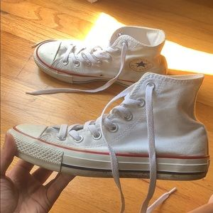 White Converse size 7 in women's